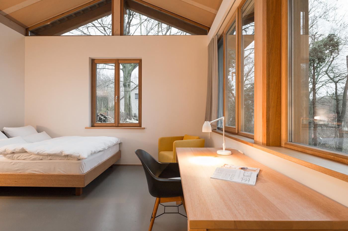 ferienwohnung im apartmenthaus parkchalet in potsdam. Black Bedroom Furniture Sets. Home Design Ideas